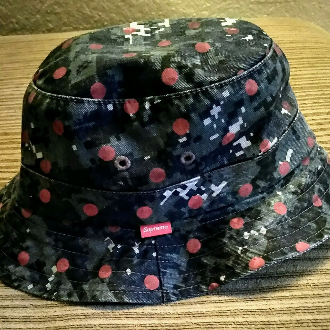Supreme Bucket Hat Small medium Pre owned Good condition No 7097cc079ad5