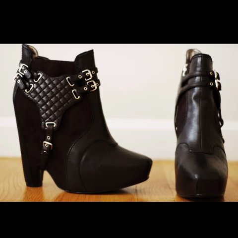 7fdd38b1c246 Sam Edelman leather and suede  Zoe  boots. Worn a couple of - Depop