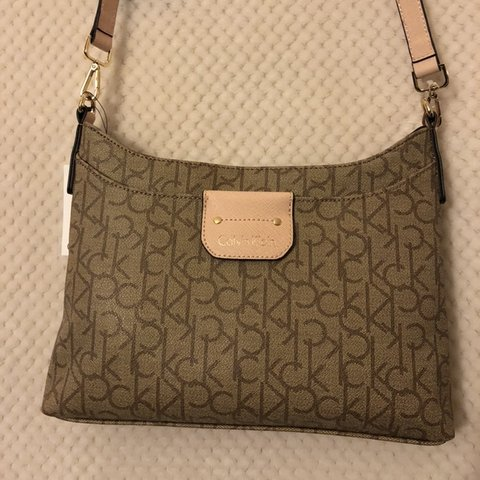 0ee5719402b @jazmyhneusebio. 5 months ago. United States. calvin klein purse, never used  ...