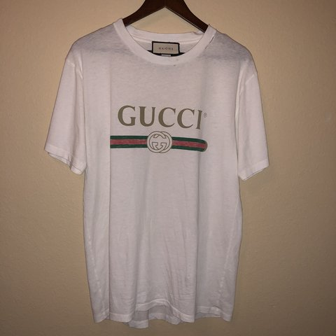 58dd6c6a Authentic Women's Gucci T shirt Bought in December of 2017 - Depop