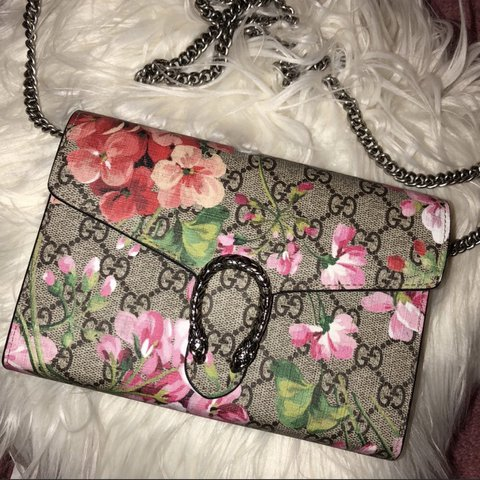 0aa168f2a8b authentic gucci blooms dionysus mini chain bag. excellent - - Depop