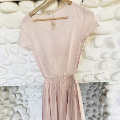 b4c445f2371 Silk blush pink summer dress with back cut out - Depop