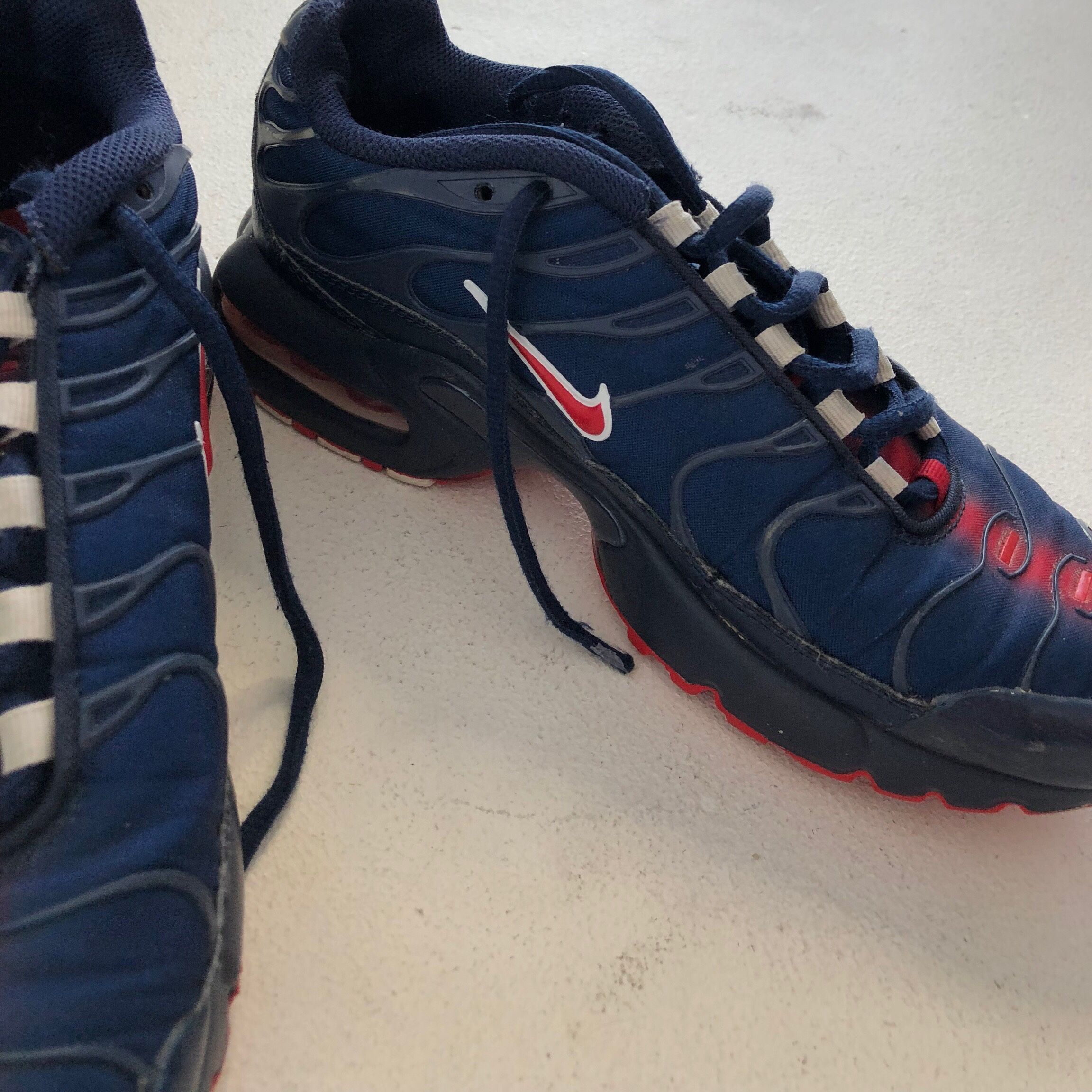 NIKE TNS in red and blue Size UK 5 90s