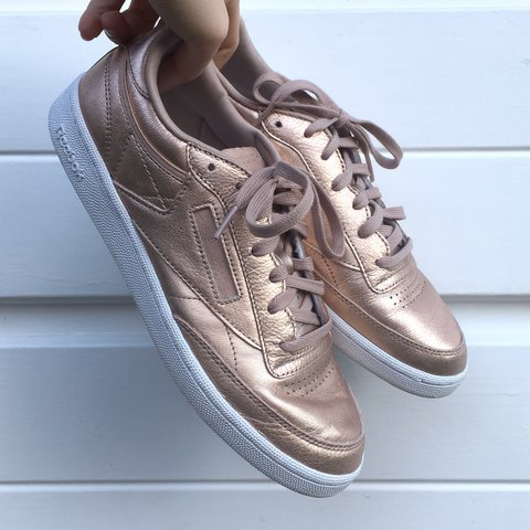 3c596ccce5a6 Womens reebok trainers in rose gold - size UK 7 - hardly - + - Depop