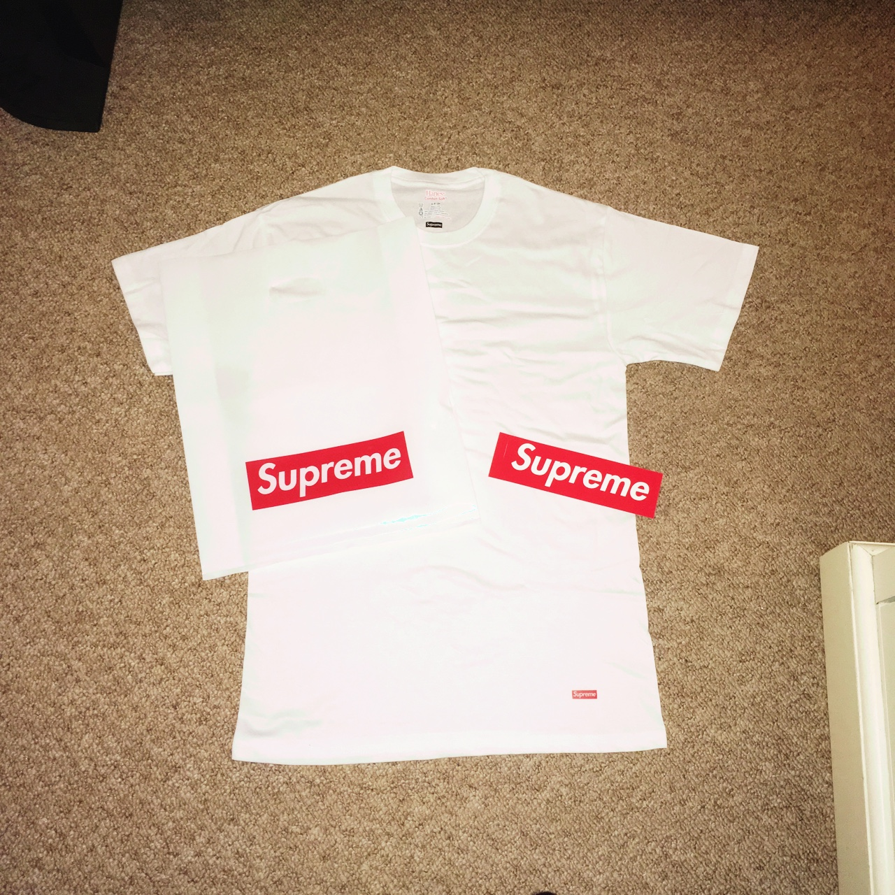 352ba573 Small (however fits well on a medium) supreme Hanes tee box - Depop