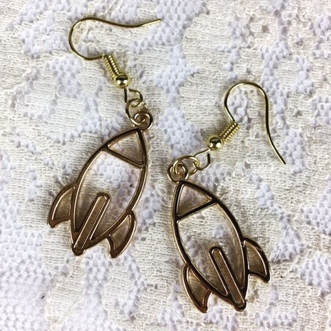 933304b14b1a Gold Tone Rocket Ship Dangle Drop Earrings. New condition. a - Depop