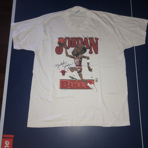 4689ec3bb33840 Vintage Michael Jordan Chicago Bulls T-shirt from the 90s. a - Depop