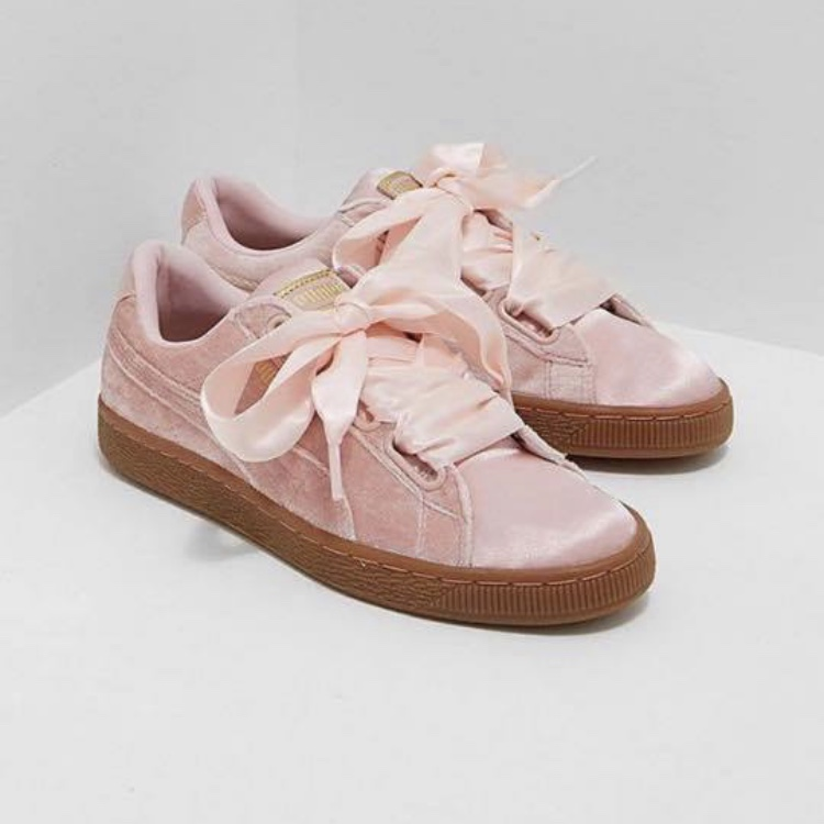 Pink Puma basket heart trainers Size 4 but can fit... - Depop
