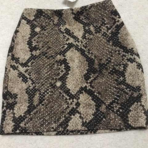 2b72fea16 H&m brown and beige snakeskin mini skirt Thick cotton so 6 - Depop