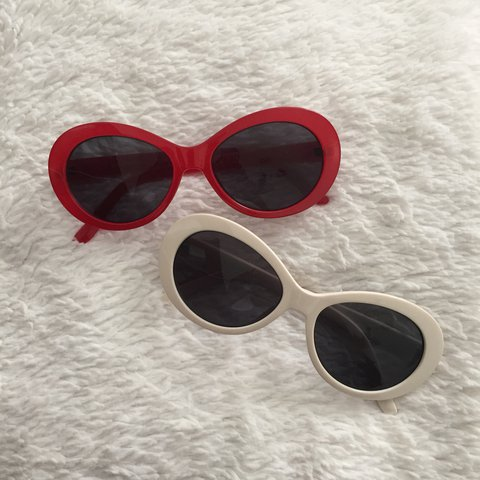 5c0d168981f ON HOLD‼ ‼ ‼ Forever 21 Oval Tinted Sunglasses Condition  - Depop