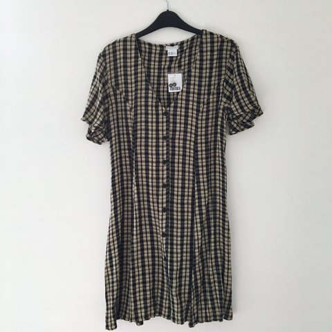 bda5d2d0fe  doctillyoudrop. last year. United Kingdom. Urban Outfitters Cooperative  dress. Black and yellow gingham ...