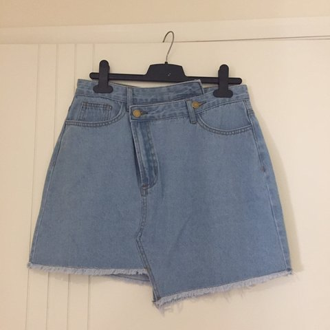 Denim mini skirt BNWT SIZE 10 Valley girl kookai fox and - Depop 7a716b7ab