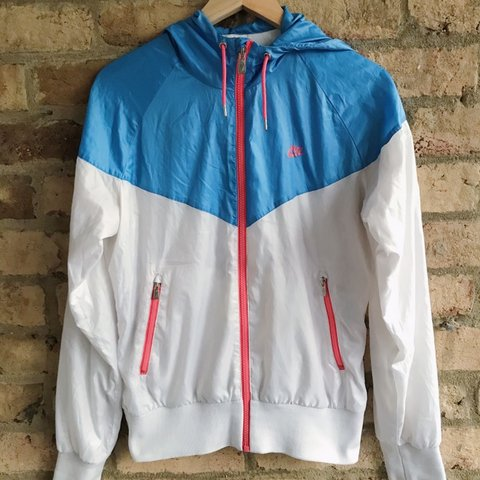313a904e8f4f Super cute   colorful Nike windbreaker. Like new condition! - Depop