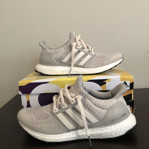 62c2f7dc082 Adidas Ultraboost 1.0 Cream chalk Size US 9 Great condition - Depop