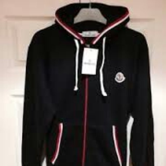 moncler sweat suit