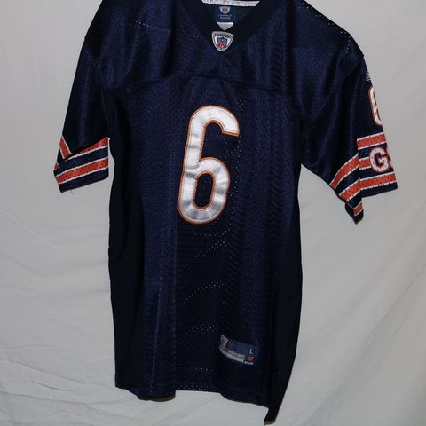 fca323cd1c4 @triad__thrift. 3 months ago. Greensboro, United States. Youth Chicago  Bears NFL cutler jersey. Size:large kids