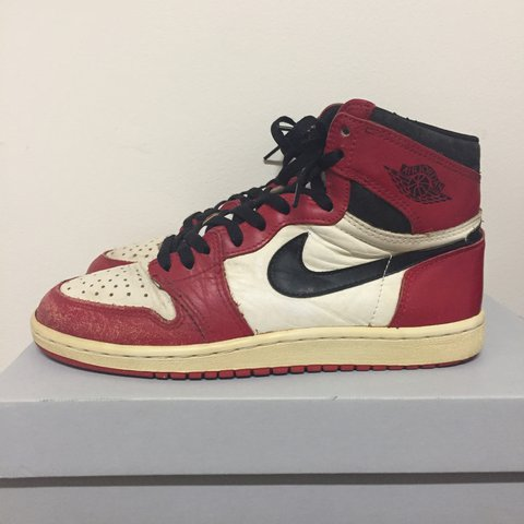 sale retailer e475c 9492f Original 1985 Nike Air Jordan 1 The shoes are a... - Depop