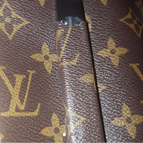 02c68c3e0 Custom Louis Vuitton juul Made with authentic material Fully - Depop