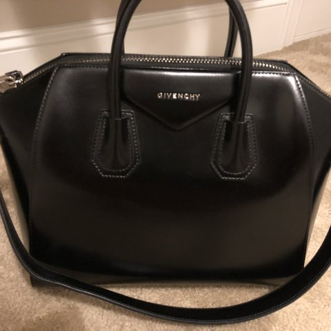 870f521939  otheoharis. last month. United States. Authentic Givenchy