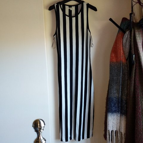 5c4c2a7ef3b @simplyunique94. 11 months ago. Forfar, Angus, United Kingdom. Lovely black  and white striped maxi dress.