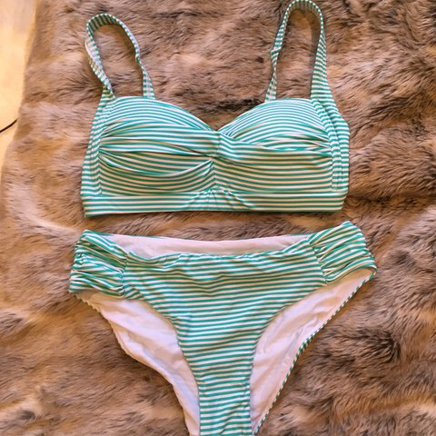 997083acb9d58c Stunning vintage style bikini in mint green. High-waisted a - Depop