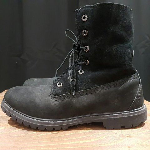 fa463a8168f9f4 Black timberland boots size 6 Women s black timberlands in - Depop