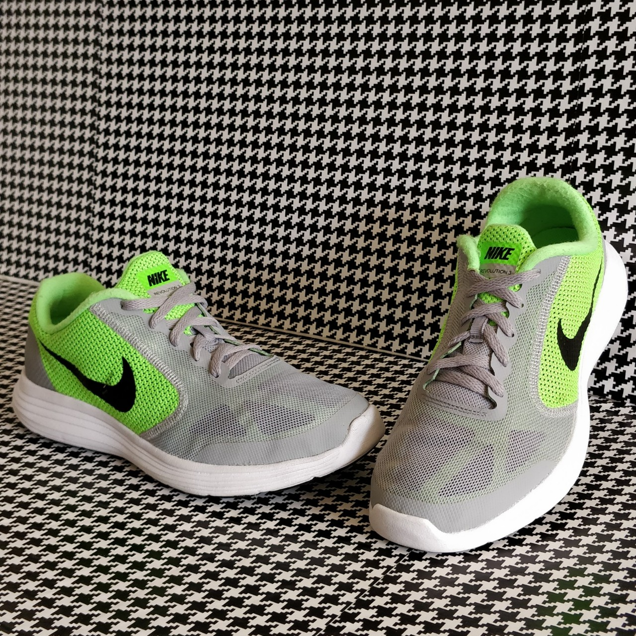 Nike Revolution 3 Used and in good condition. Youth Depop