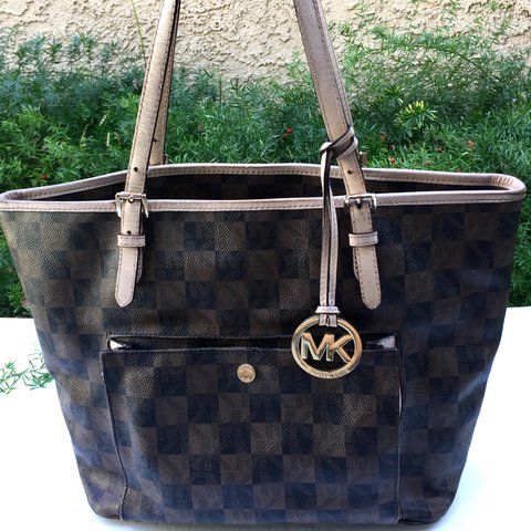 f74ddc9fa962 @awonderz. last year. Chino Hills, United States. MICHAEL KORS Jet Set Brown  Black Monogram Tote ...