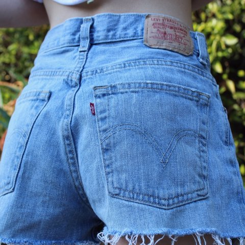 c9160165755c38 @ellamfleming. 7 months ago. Los Angeles, United States. cute classic daisy  dukes boyfriend blue ripped denim Levi's shorts. ...
