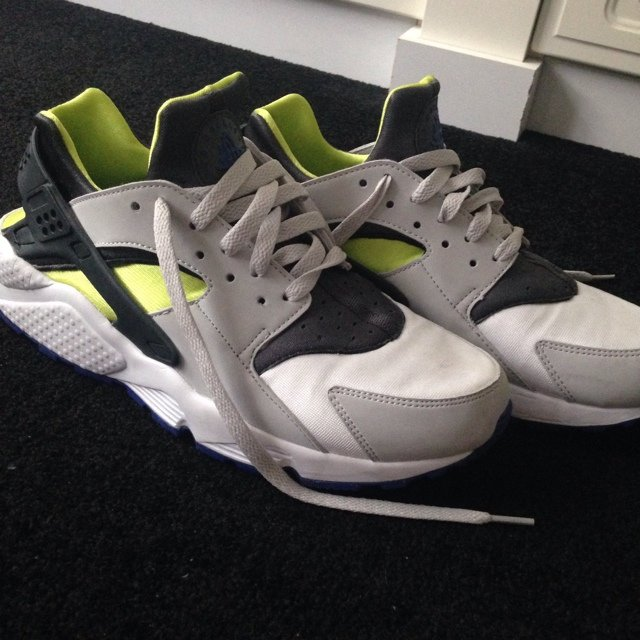 Nike huarache 9 10 condition worn couple of times bf7bc1213