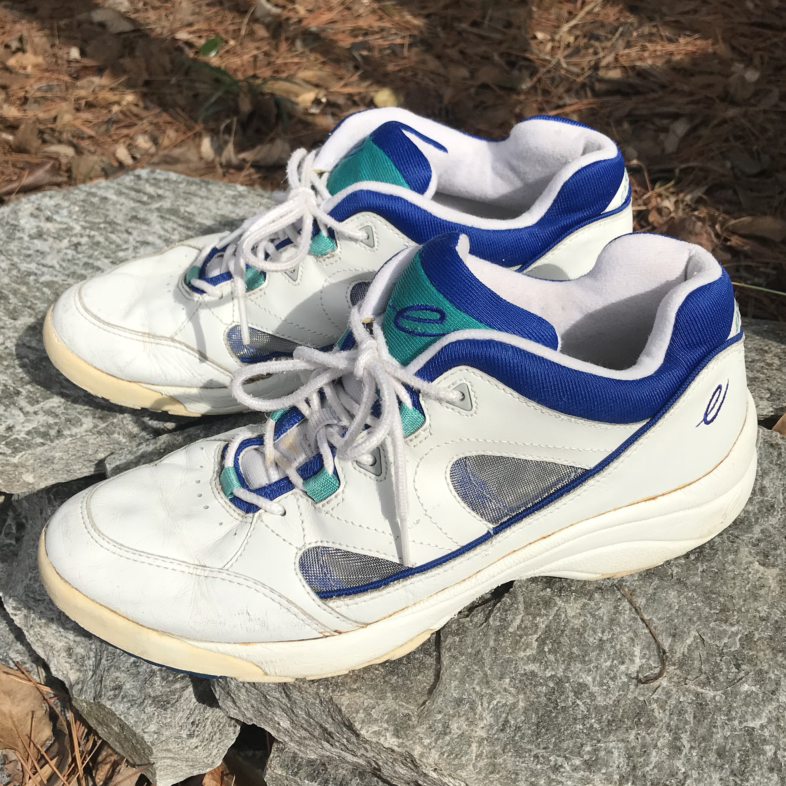 Vintage 90s Shoes Sneakers Mom/Dad shoe