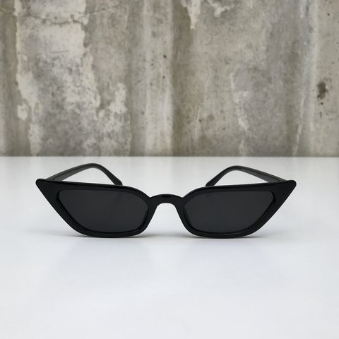 ed6a70aa6522d Vintage inspired black cat eye sunglasses as seen on Kendall - Depop