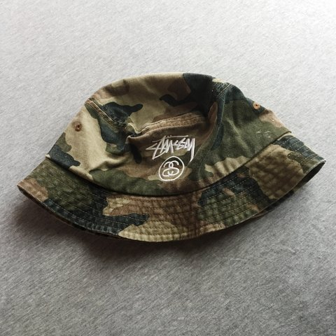 577370c862e4a Genuine Stüssy bucket hat in green camo   army   camouflage - Depop