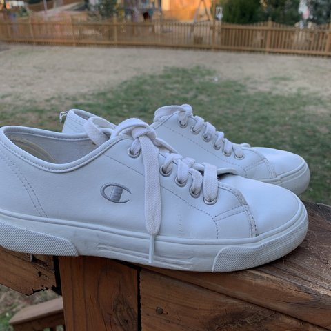 7a6332b3e vintage champion shoes in good ~~vintage condition~~