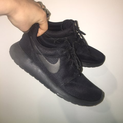 3dd5d3d335f0 Nike all black roshes size 8.5  Please message me if you to - Depop