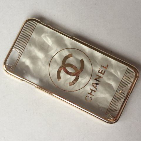 7367729f534c Designer style iPhone 6 hard plastic and gold phone case. of - Depop