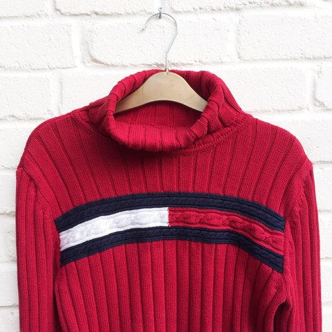 e3c8214bfb VERY RARE - vintage 90s red ribbed Tommy Hilfiger roll neck - Depop