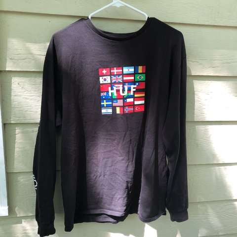 8a74f255 Large Huf worldwide long sleeve. This is a black HUF L/S on - Depop