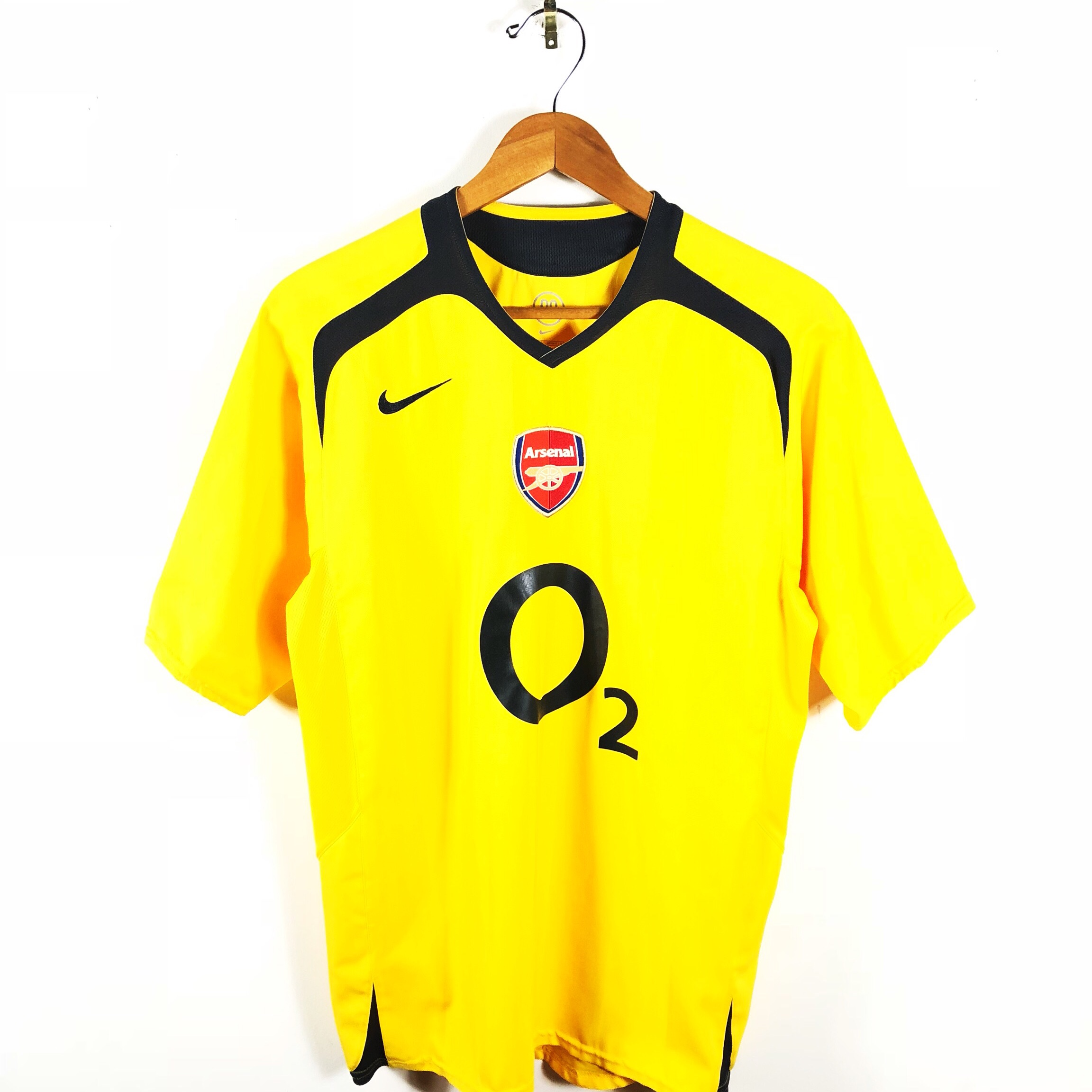 newest 94bc0 d4ed2 Nike Vintage Arsenal O2 Yellow Soccer Jersey Size... - Depop