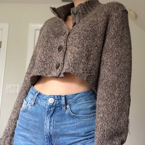 4a7f9c8069 FREE SHIPPING🚨 EARTHY BUTTON UP CROP So cute and comfy a - Depop