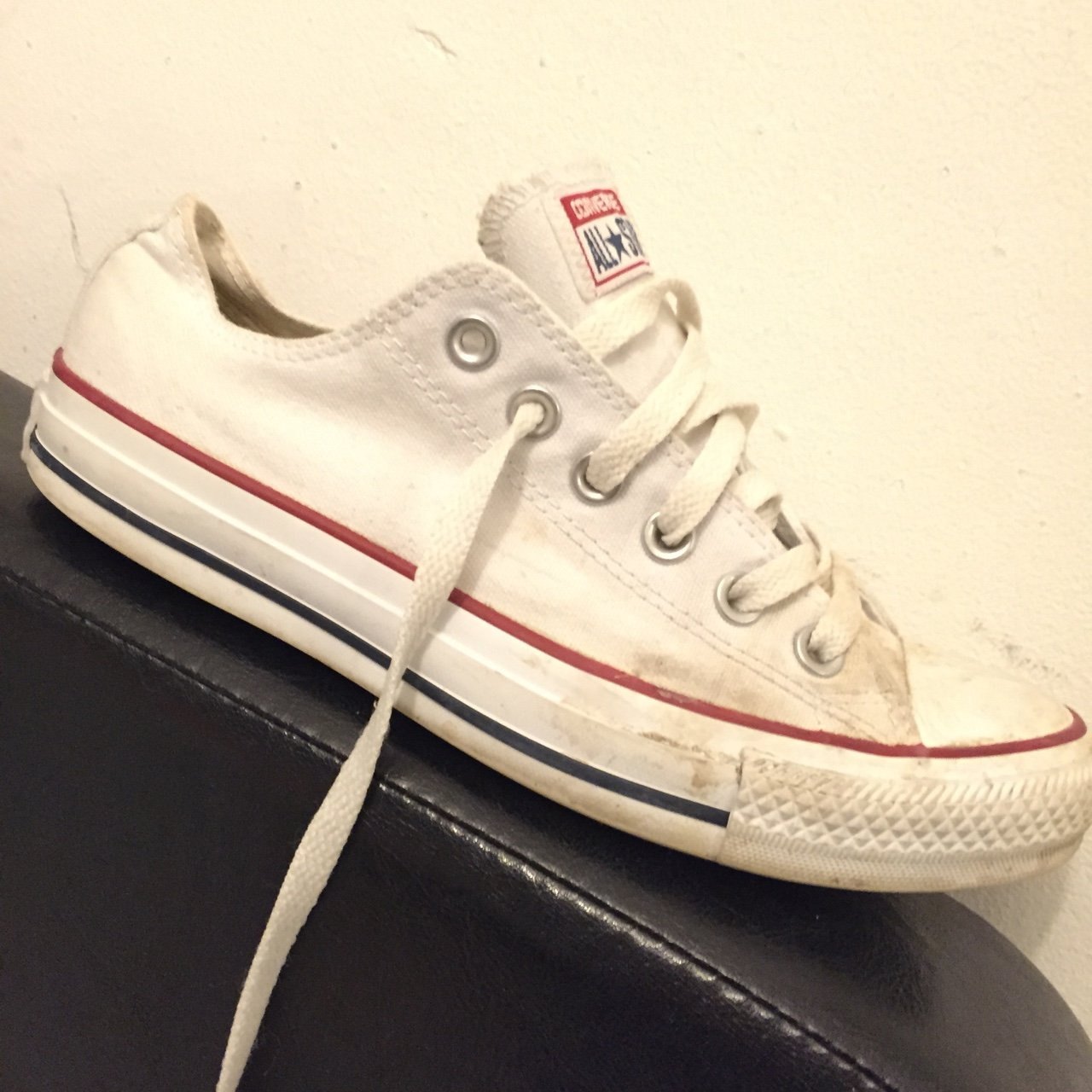 nicolemaxinee. 3 years ago. United Kingdom. white converse size 5 - only  worn these a couple of times 3e7060a0c