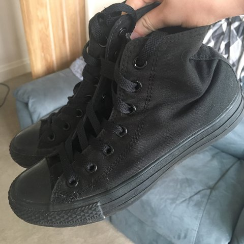58486b0c678d All black converse high tops 🖤 Size 5