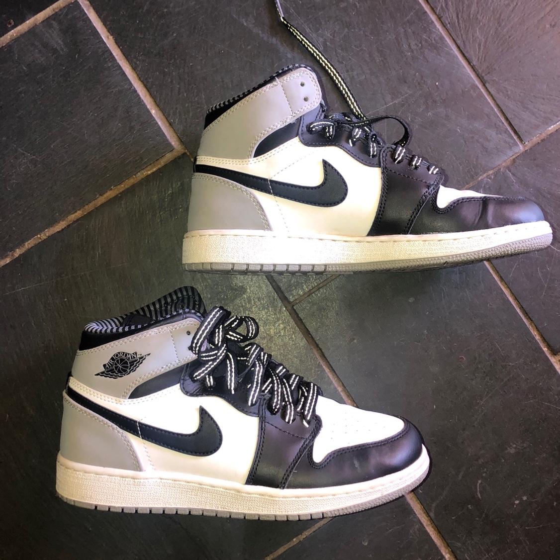 sports shoes 1f5ea 15099 If you don't own a pair of air Jordan retro 1's here... - Depop