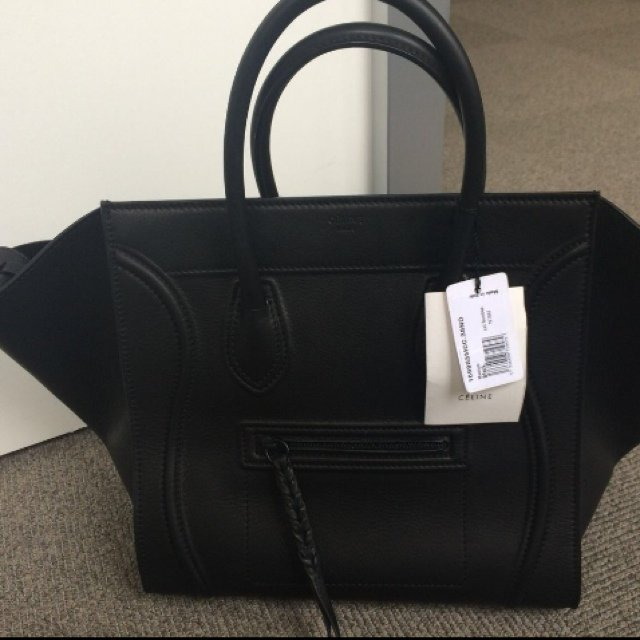 20b88b881e97 CEline Phantom Medium. Nearly NEW fabulous Celine Phantom in - Depop