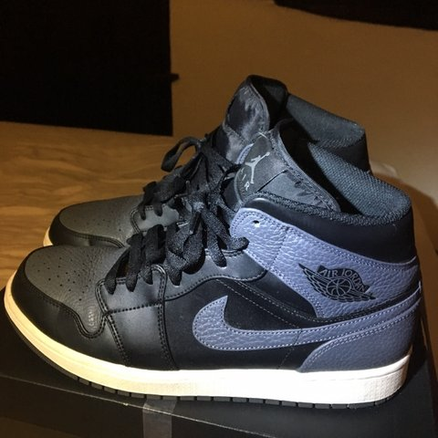 69a7a626c6c19d Jordan 1 mid👟 Black grey🎨 Size UK 9⭐ Amazing condition or - Depop