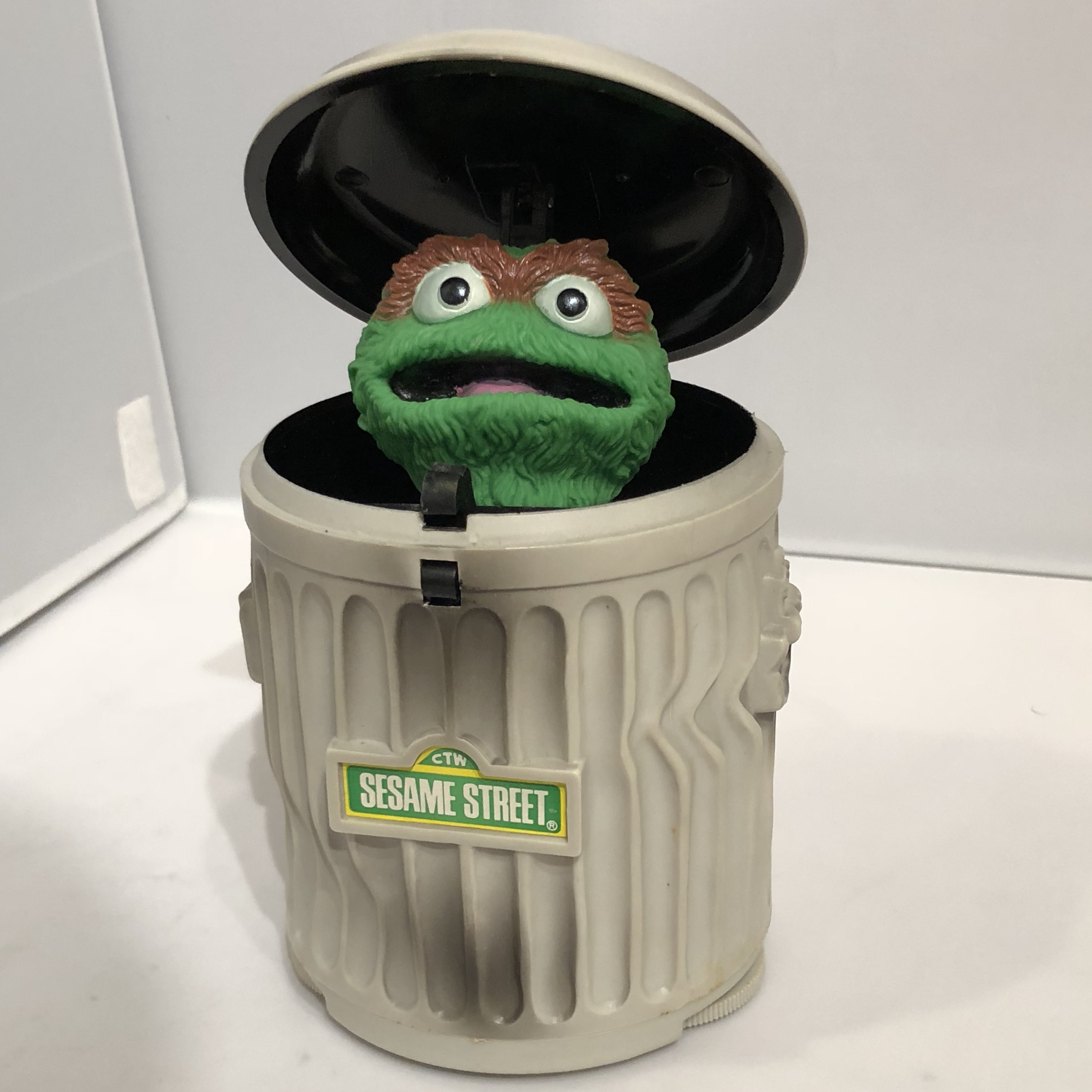 Oscar The Grouch Garbage Can Radio New With Box And