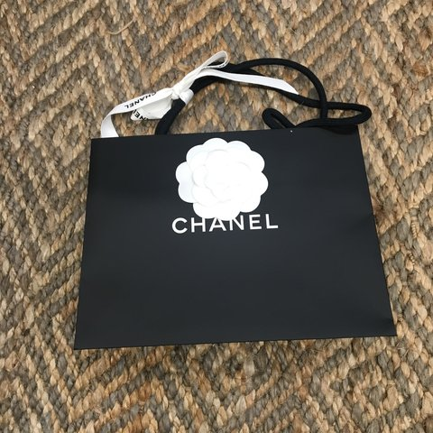 6824d1782a88 RESERVED IF YOU BUY I WILL REFUND 1 small authentic Chanel - Depop