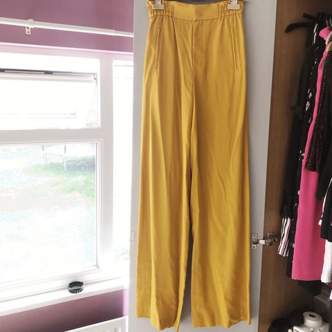 e66afbb2 zara mustard coloured wide leg trousers. Lovely fit with - Depop