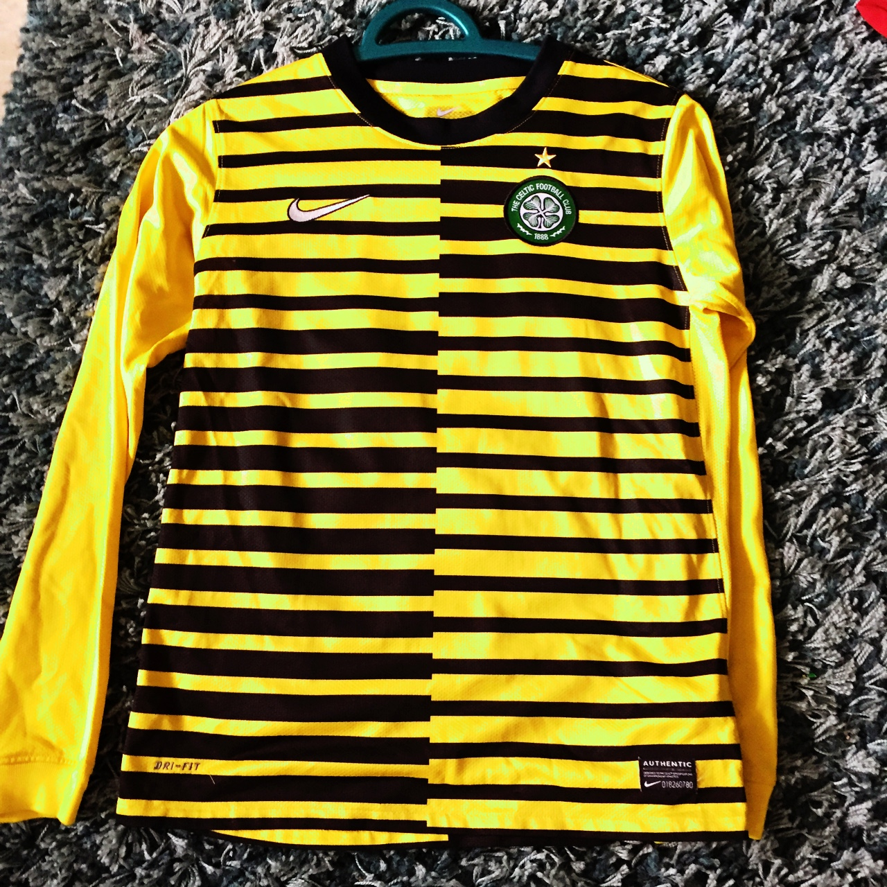 a47afb448 sellingstuff43. Glasgow, United Kingdom. Yellow and black Celtic football  top large boys age 12-13.