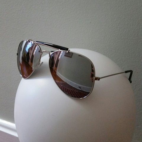 dd5afb3dd1 Silver aviator sunglasses. The sunglasses have some small - Depop
